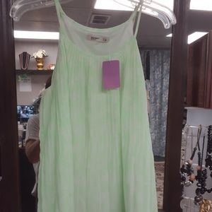 Tops - Green strapless top